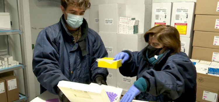 La vacunación en la C.Valenciana se ampliará a partir de la próxima semana a Atención Primaria, tras acabar en las residencias