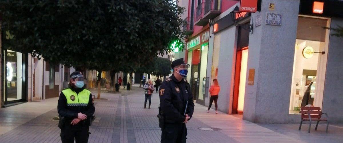 Policia Local Benicarló intensificarà els controls i vigilarà especialment les reunions de joves