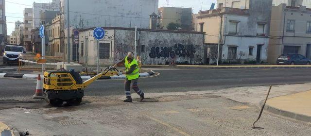 Reparació de clots en diversos carrers i camins de Benicarló