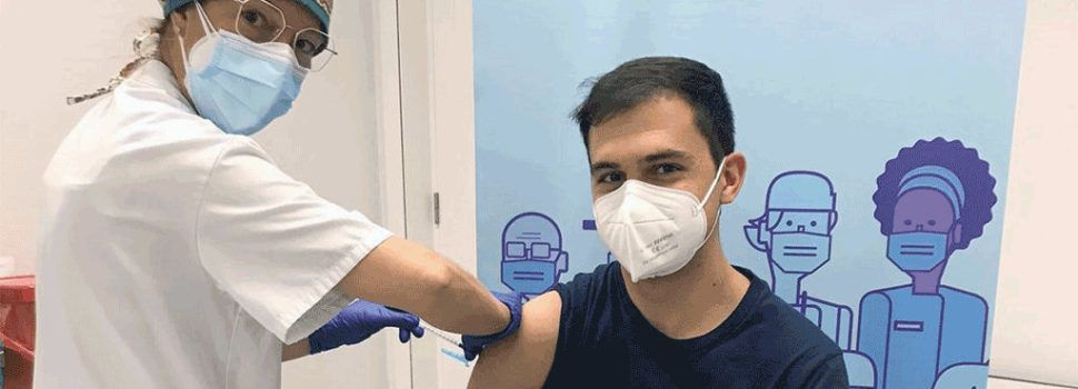 Es vacunen contra la COVID-19 els primers estudiants de ciències de la salut de la URV