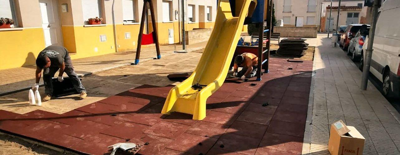 L'Ajuntament millora els parcs infantils d'Ulldecona i barris