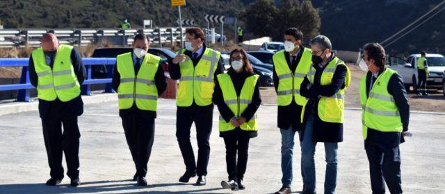 El ministre Ábalos visita amb Ximo Puig les obres del port de Querol, que entrarà en servei a finals d'enguany
