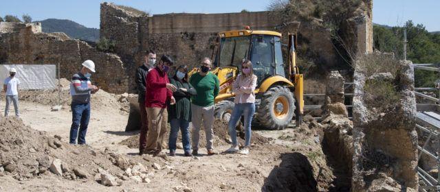 La Diputació de Castelló inverteix 40.000 euros en la rehabilitació de la muralla de l'Albacar del castell de Xivert