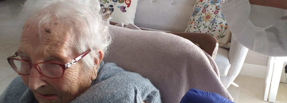 Una veïna de Vinaròs, immunitzada als 105 anys
