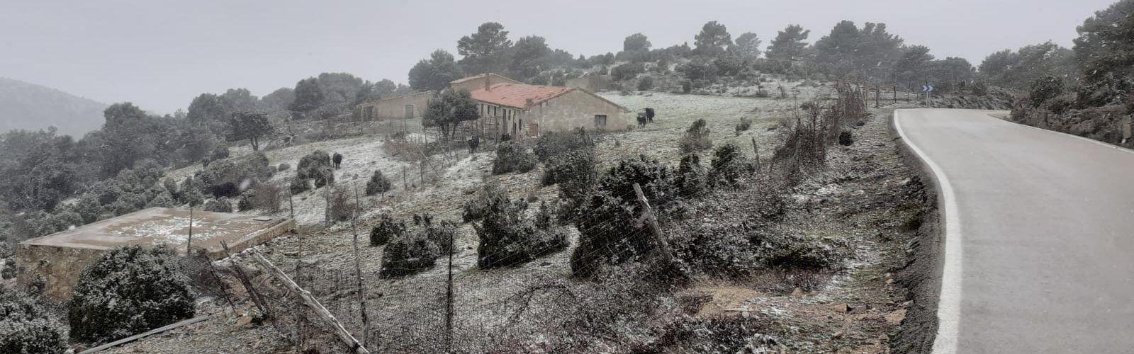 Torna la neu a Els Ports i la Tinença