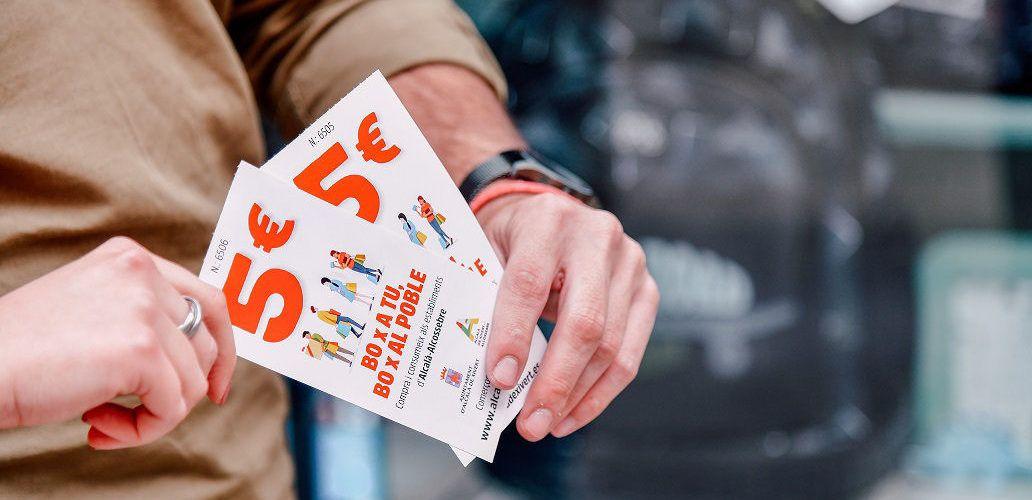 """36 establiments d'Alcalà iAlcossebres'adhereixen a la campanya """"Bopera tu,Boperalpoble"""""""