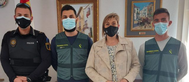 L'Ajuntament de Càlig reconeix el treball contra els robatoris al camp del Policia Local, Guàrdia Rural i Guàrdia Civil