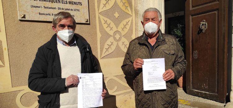 Representantes de las Partidas Riu- Surrach-Aiguaoliva presentan al Ayuntamiento de Benicarló, copia de la sentencia sobre el PATIVEL