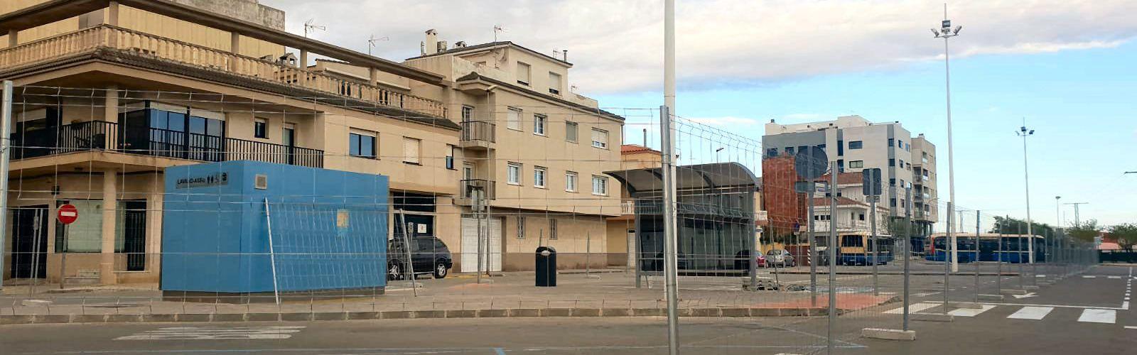 Vinaròs comença les obres d'adequació de la parada de bus del parc de les Catalinetes