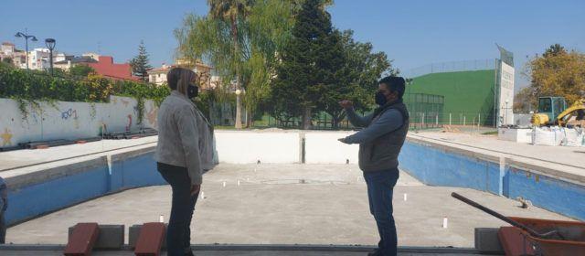 Continuen a bon ritme les obres de rehabilitació de la piscina municipal de Càlig