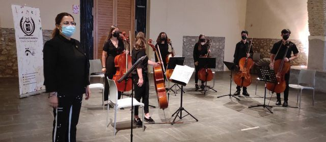 Concert de violoncels a Benicarló