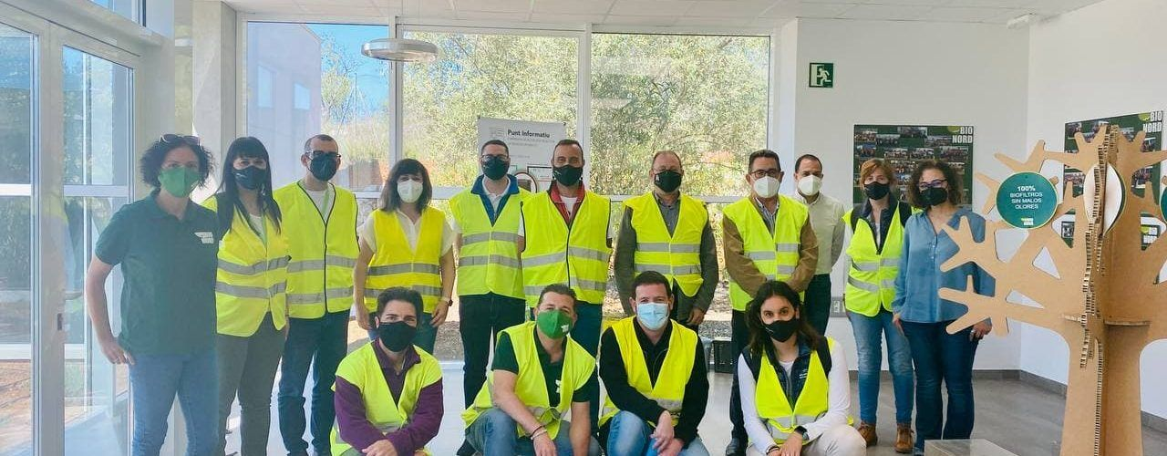 L'equip d'educació ambiental de la Diputació de la zona Nord visita la planta de Cervera
