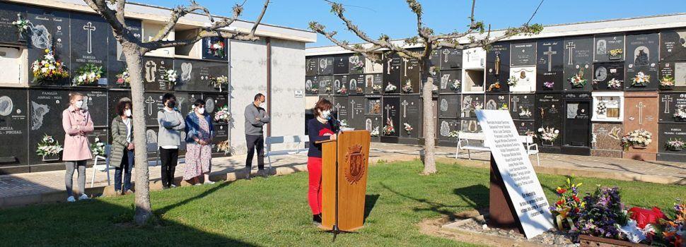 Vídeo i fotos: Vinaròs homenatja les víctimes dels camps d'extermini nazi