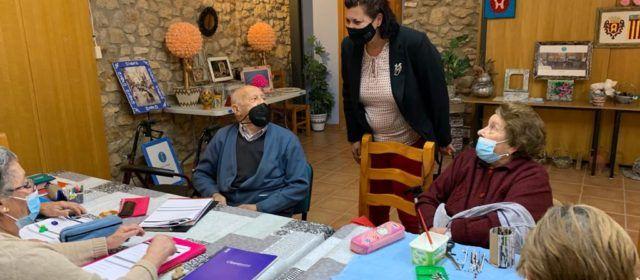 Patricia Puerta visita els terrenys del que serà el futur el futur centre de dia de Traiguera