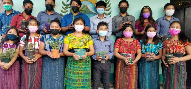 Un projecte educatiu de llengües minoritàries uneix Guatemala i Catalunya