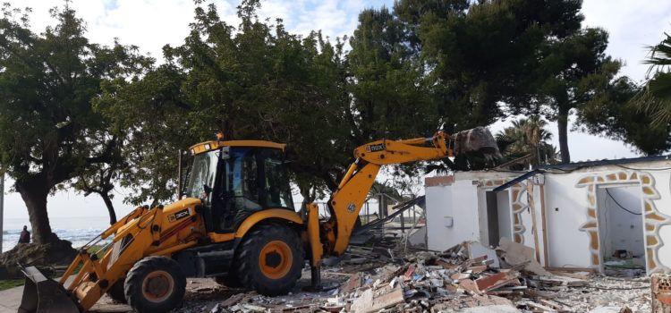 Benicarló enderroca l'antic restaurant Frexes a la plaça del Morrongo
