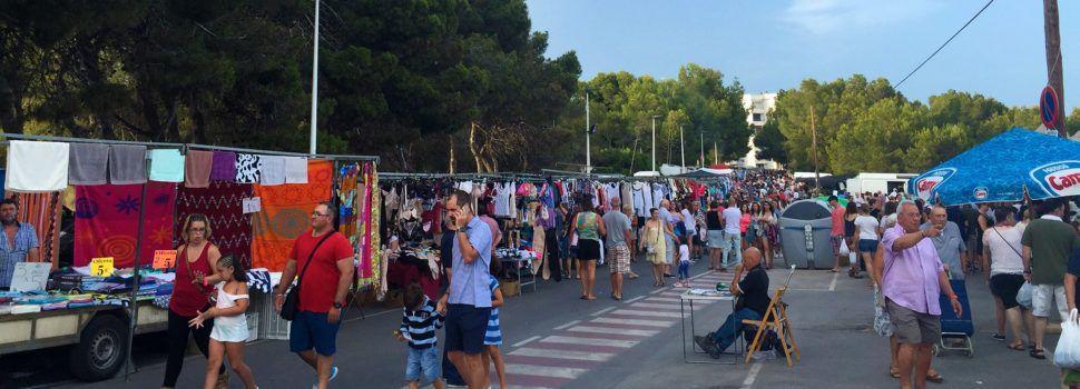 Alcossebrerecupera el mercat ambulant amb tot tipus de productes a partir del 15 de juny