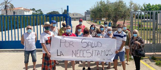 Nova protesta pel tancament de la piscina de Benicarló