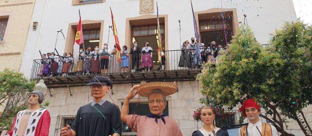 Vídeo i fotos: inauguració de les festes de Vinaròs 2021