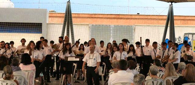 Fotos i vídeo: concert de fires de La Alianza