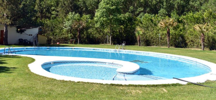 Obertes les piscines de Morella