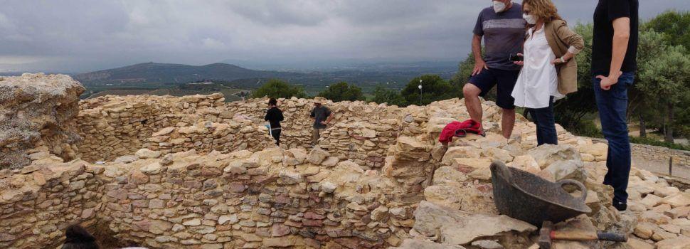 Visita d'Alsina i Fibla a la nova campanya d'excavacions al poblat iber de Vinaròs