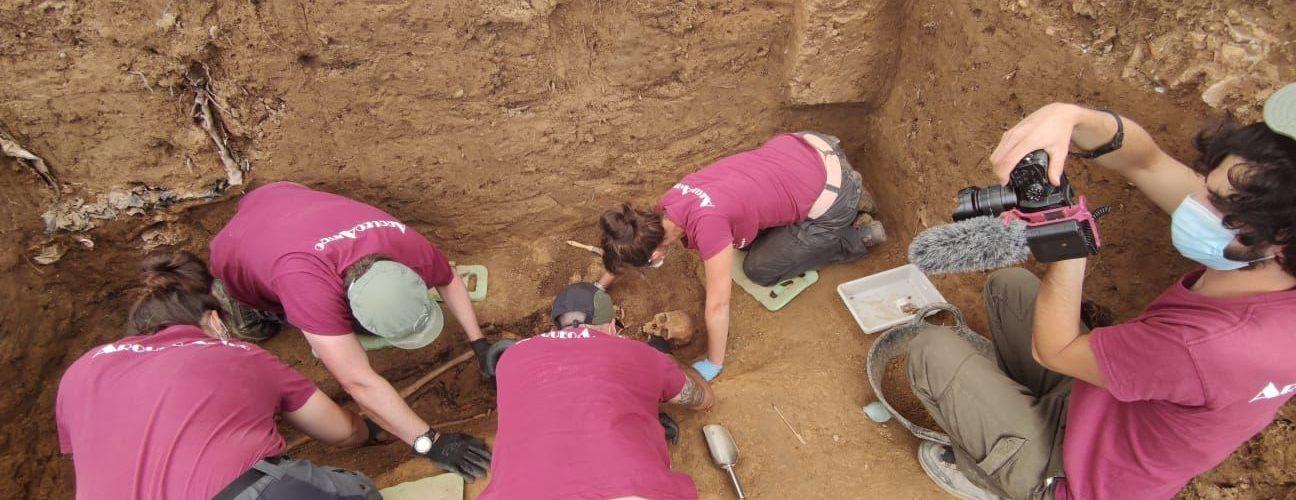 Acaba la exhumación de una víctima de la represión franquista en el cementerio de Vinaròs