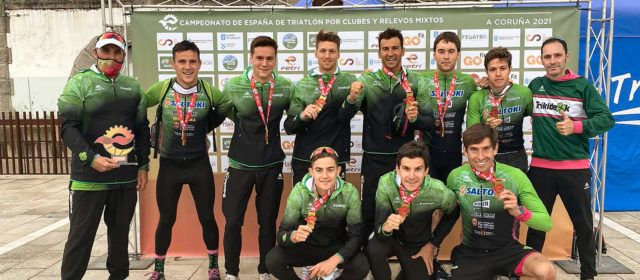 El vinarossenc Guillem Segura, guanya amb el Saltoki el campionat d'Espanya de triatló per clubs