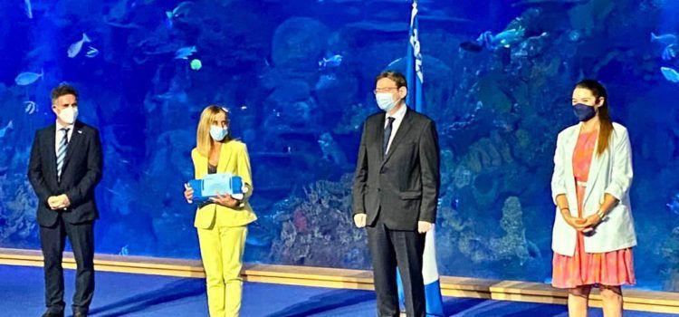 Benicarló recull les dos banderes blaves que acrediten la qualitat de les seues platges