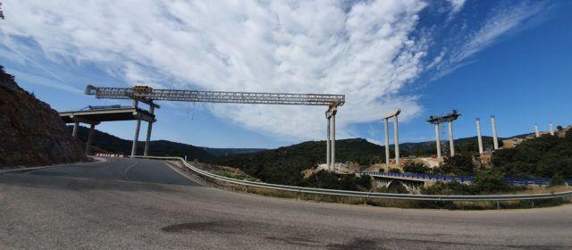 Fotos: Avança el viaducte del barranc de la Bota