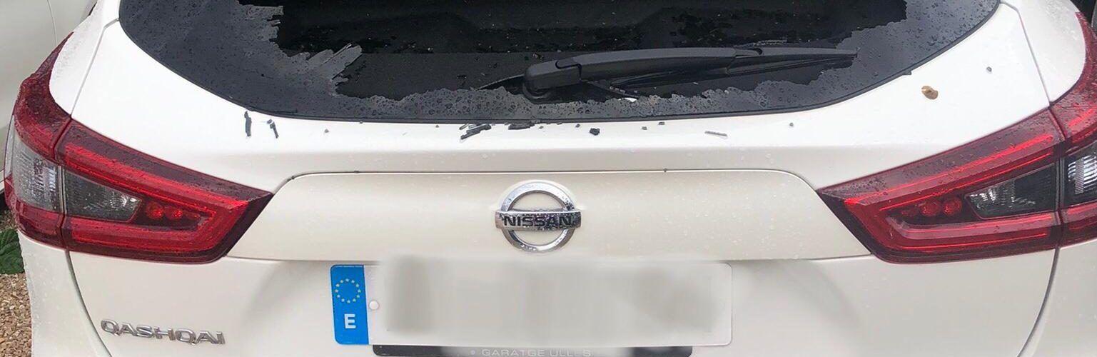 Fotos i vídeo: forta pedregada a Benicarló amb diversos danys