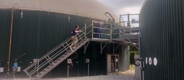 Garcia visita la planta de biogàs de Catí