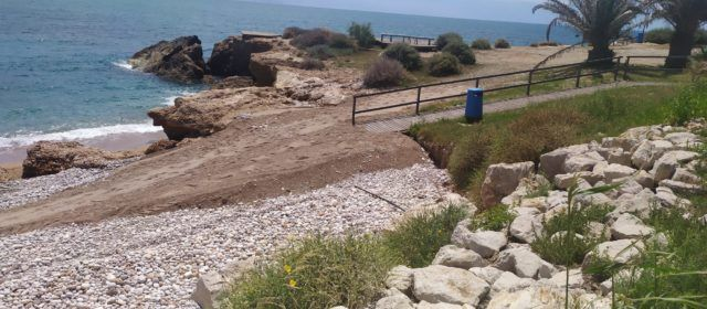 L'Ajuntament adequa els accessos a les cales del Saldonar i Fondo de Bola
