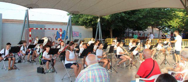 Concierto de la banda infantil de La Alianza, dirigida por Jordi Sabater
