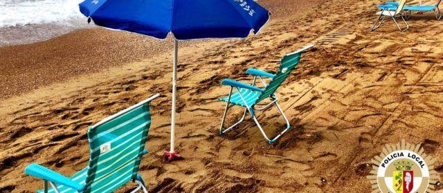 Policia Local Vinaròs recorda que és una infracció reservar espai a les platges