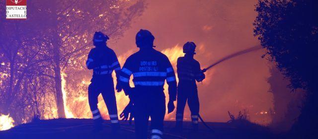 Els bombers de la Diputació intervenen durant l'onada de calor en 21 incendis a tota la província de Castelló