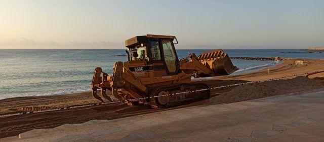 Arena para la playa del Fortí y nuevos trámites para la pasarela del Cervol