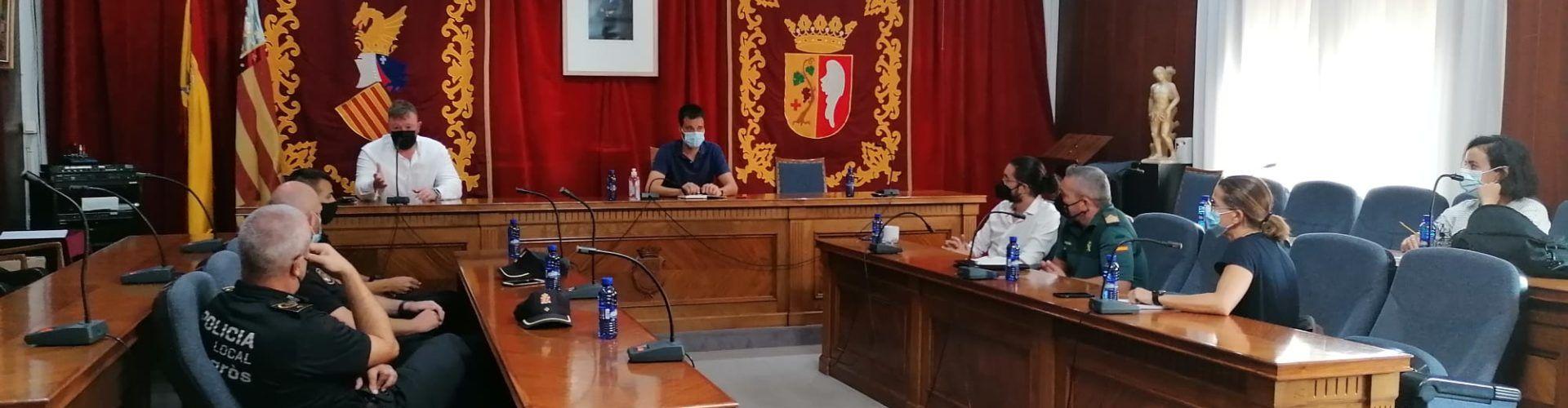 L ´Ajuntament de Sant Jordi es coordina amb Vinaròs per a reforçar la vigilància i evitar els robatoris de garrofes