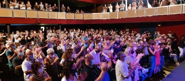 """""""Els Brugarol"""" posa el públic dempeus al Teatre Orfeó d´Ulldecona"""