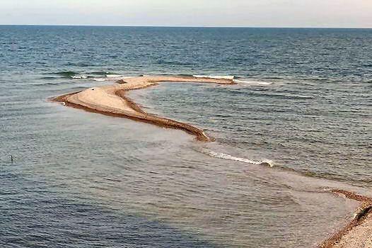 """Una """"illeta"""" a la desembocadura del Sénia"""