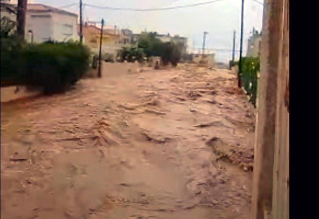 Més vídeos de la força de l'aigua al barranc del Triador de Vinaròs
