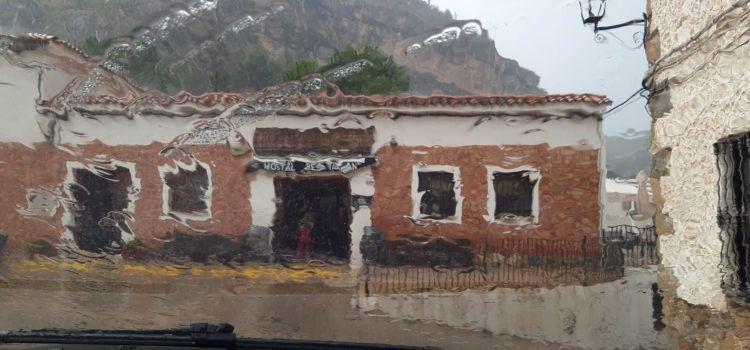 Vídeos: Una altra tronada a Vallibona