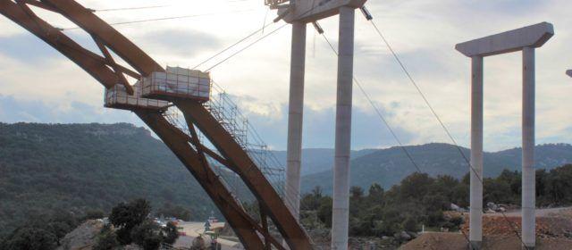 """Fotos: Segueix """"creixent"""" el gran viaducte de la N-232"""