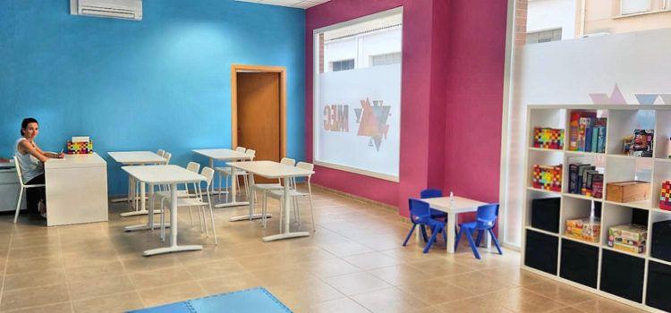 """S'inaugura el centre d´aprenentatge d'anglès """"My English Class"""" a Roquetes"""