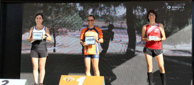 Atletes del Club Esportiu Vinaròs, en el Cros de Castello i la Mitja Marató de València
