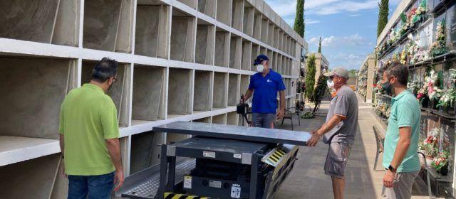 El Cementeri de Benicarló millora en accessibilitat i recupera la plataforma elevadora