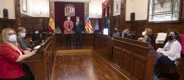 La Diputació, sis dels grans ajuntaments, com Benicarló i Vinaròs i el Col·legi d'Advocats uneixen forces per a reforçar l'assessorament sobre hipoteques