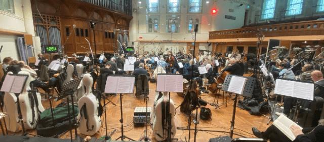 Torna James Bond amb música orquestrada pel vinarossenc Òscar Senén