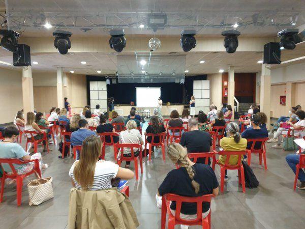 Una seixantena de persones participen en la tercera Taula socioeducativa d'Amposta